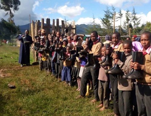 Flooding in Kenya – Buying Gumboots for the Kids